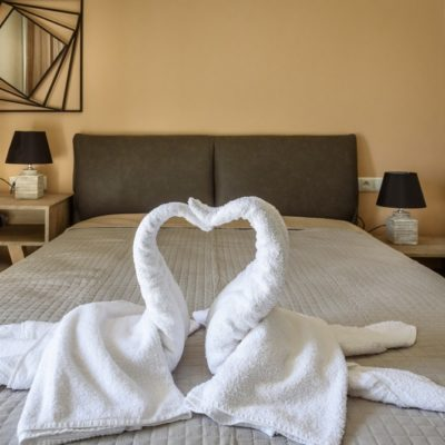 Apartment double bed