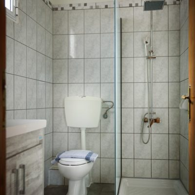 Studio for 3 bathroom-2